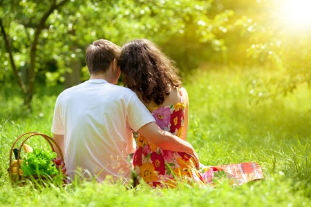 5 Simple Outdoor Dating Ideas